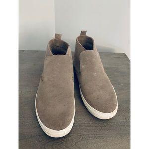 Mauve/Gray DV Suede Slide Sneakers!